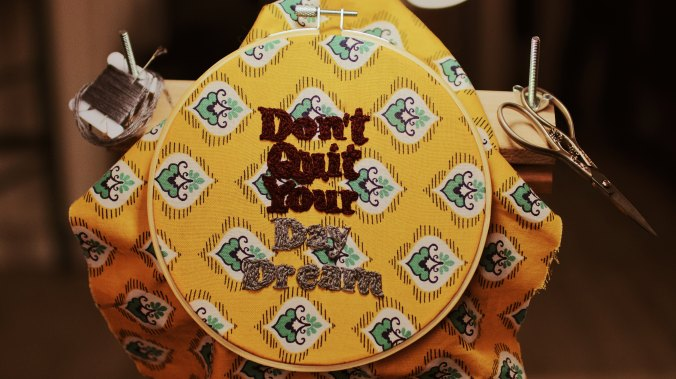 "Cross-stitch pattern ""don't quit your day dream"""